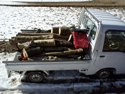 薪と軽トラ