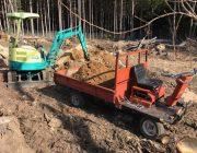 解体寸前の運搬車を整備。ダンプの油圧を流用した薪割り機に改造する。