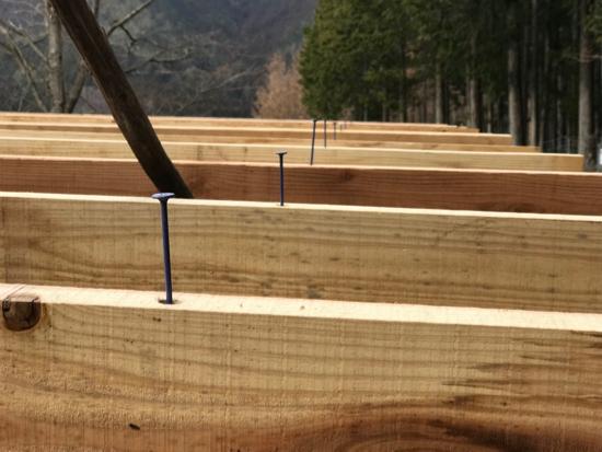 タルキービスで垂木を固定